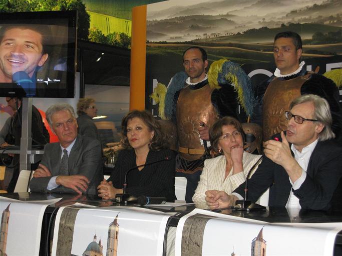 Bit, anche Sgarbi allo stand Regione Marche