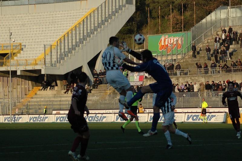 Il gol di Mendicino (fotoservizio Andrea Giammusso)