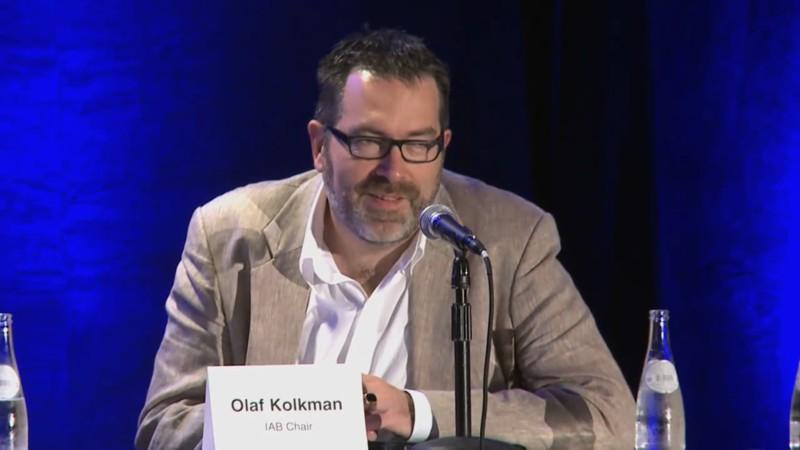 Olaf Kolkman mentre risponde alla domanda di Riviera Oggi