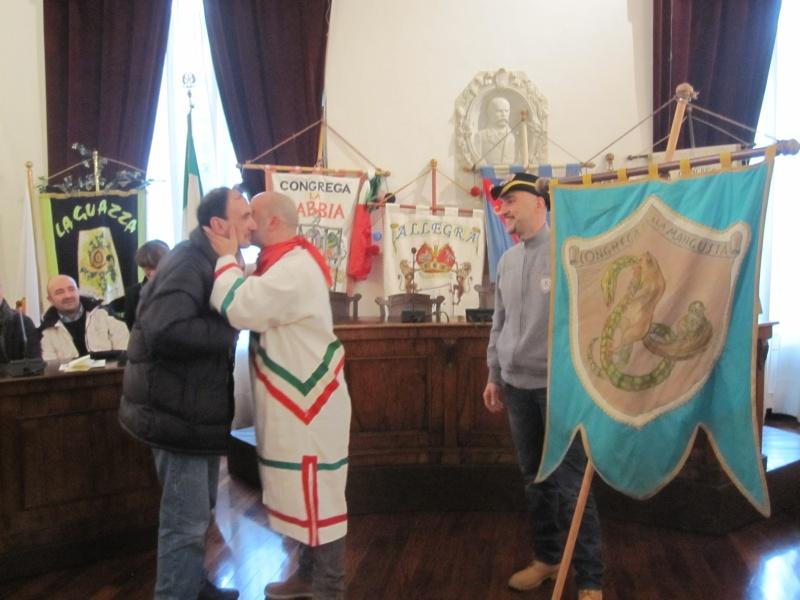 Giovedì Grasso a Offida. Il sindaco Lucciarini, consegna la chiave della città