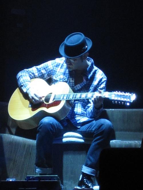Il chitarrista Mel Previte della band di Ligabue al Ventidio