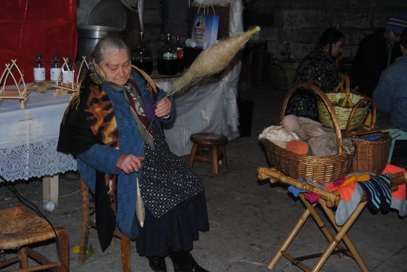 Matilde Annibali, la vincitrice del premio dedicato alle comparse del Carnevale di Ascoli, da parte dell'associazione Amici del Borgo