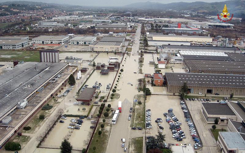 Zona industriale Ascoli allagata, 2 marzo 2011