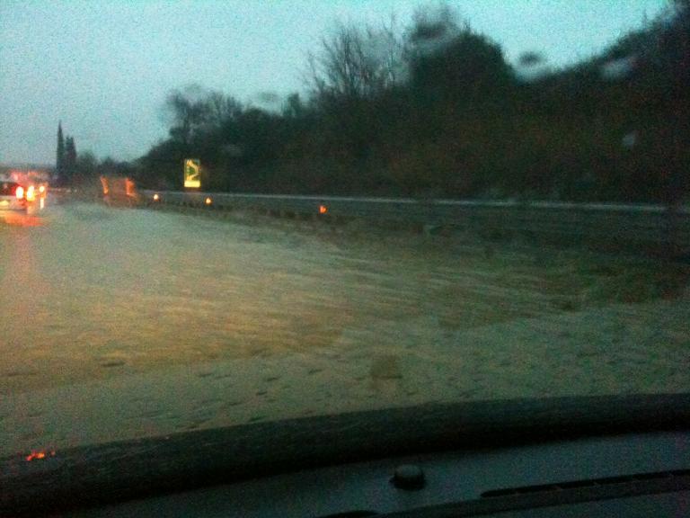 L'Ascoli-Mare allagata in alcuni tratti durante l'alluvione ai primi di marzo (foto d'archivio)