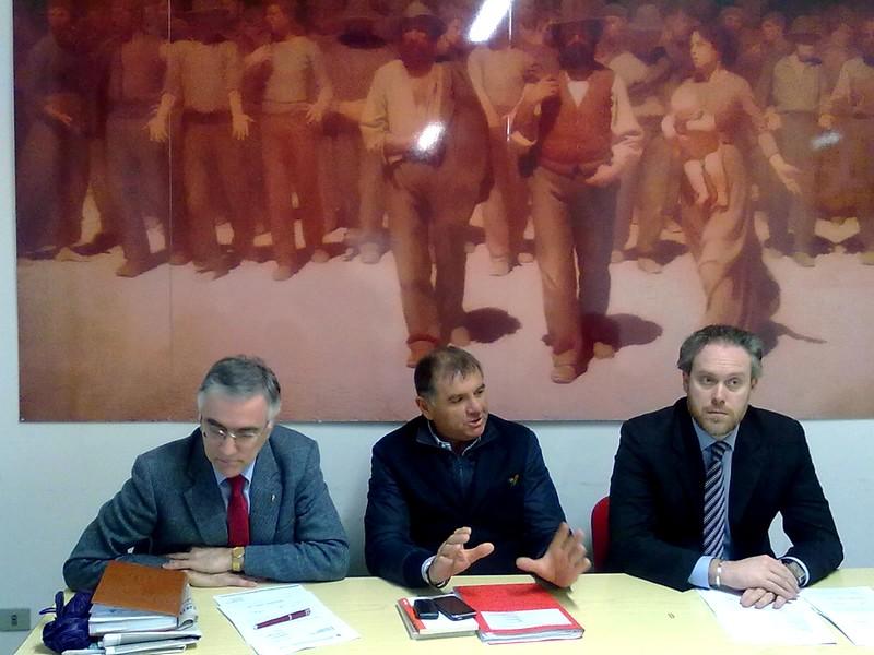 Antonio Canzian, Emidio Mandozzi, Antimo Di Francesco nella sede del Pd ad Ascoli (foto d'archivio)