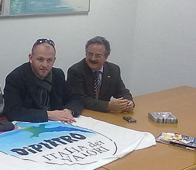 Andrea Cardilli coordinatore provinciale dell'Italia dei Valori (a sinistra) e Dante Merlonghi, rispettivamente