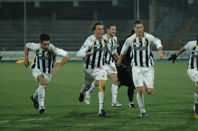 Ascoli-Vicenza, l'esultanza finale dei bianconeri (foto Giammusso)