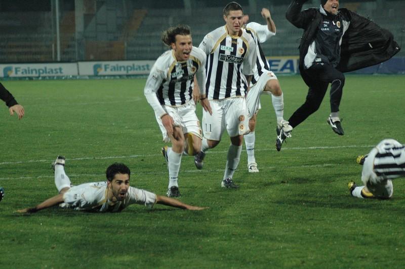 Ascoli-Vicenza, esultanza finale (foto Giammusso)