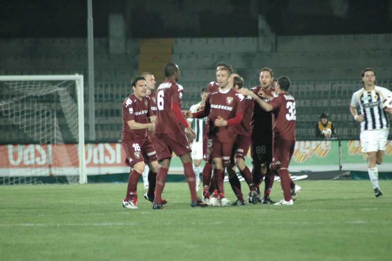 Ascoli-Torino (foto Giammusso): esultanza del Toro dopo il quarto gol