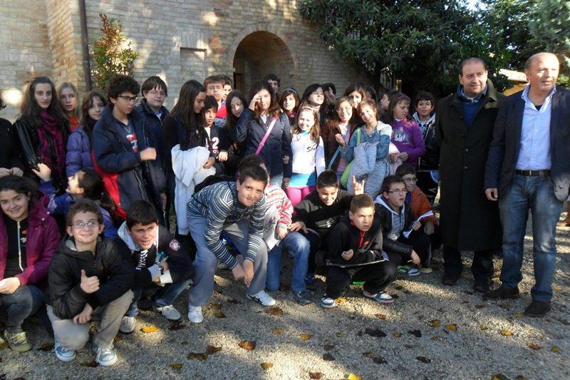 Oasi La Valle di Pagliare del Tronto, una delle tantissime visite scolastiche: sulla destra l'assessore provinciale Antonini e l'assessore comunale Silvestri