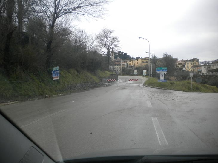 via adriatico - bivio torricella-  chiusa
