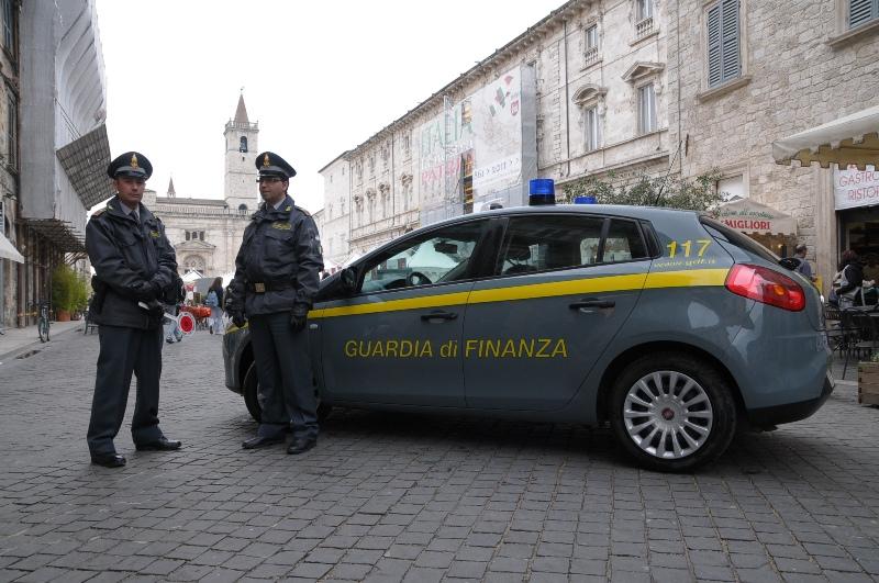 Fiamme Gialle in Piazza Arringo (foto d'archivio)
