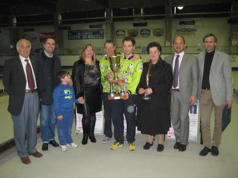 Brugni, Castelli e Sabatucci alla premiazione del Memorial Sandro e Mario Cinaglia che si è disputato sabato nella Bocciofila di Ascoli