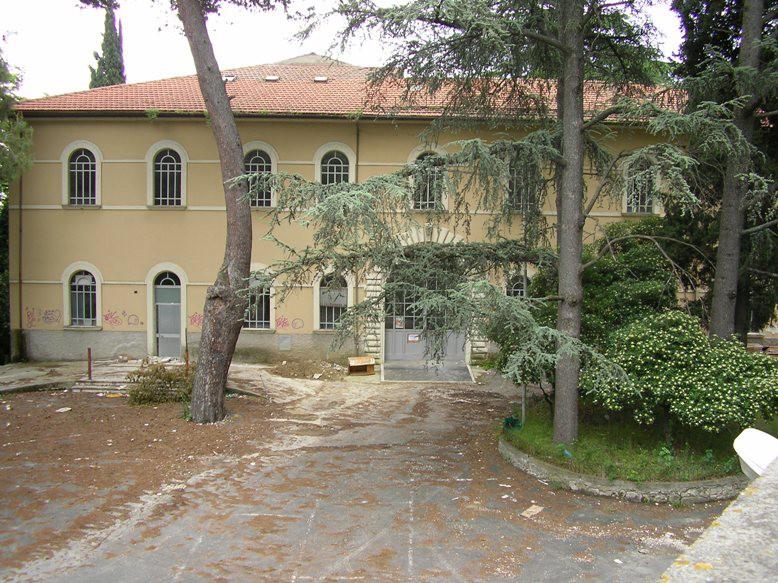 L'ex ospedale Mazzoni, sede del futuro Polo universitario e dell'Auditorium