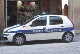 Polizia Municipale (foto tratta da siracusa.blogsicilia.it)