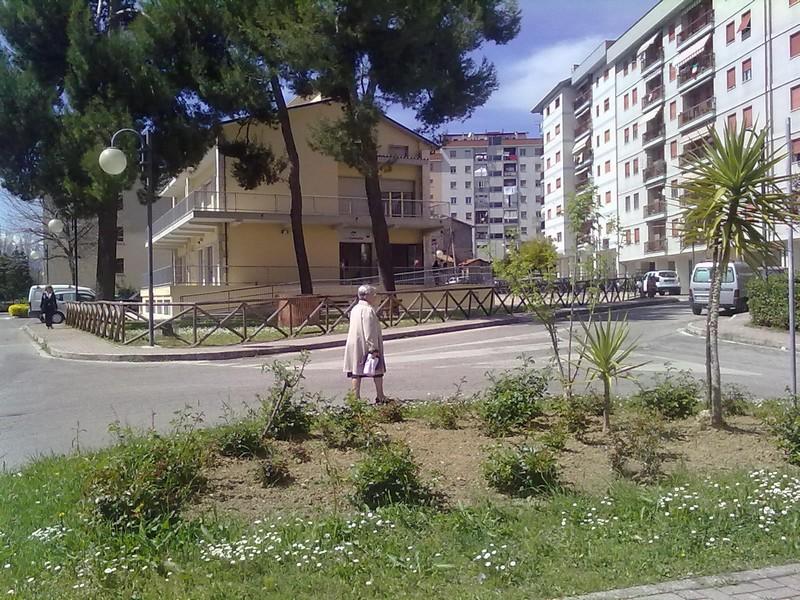 Monticelli, Largo delle Mimose: l'immobile di proprietà del Comune dove sorge il nuovo Centro Servizi per la Famiglia