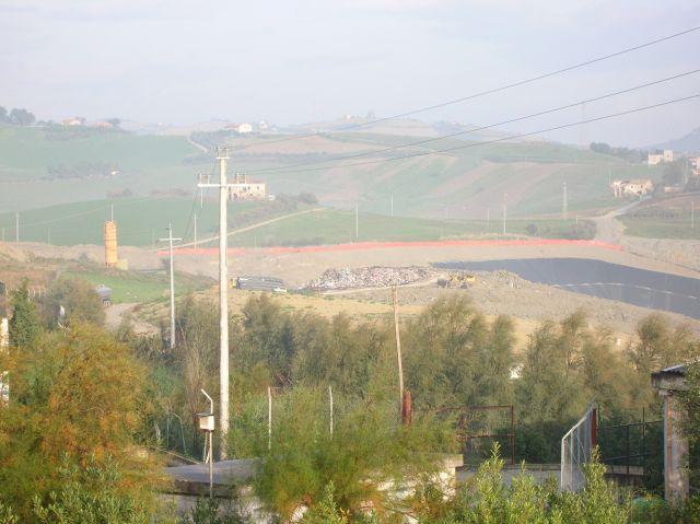 La discarica di Relluce, fra Appignano ed Ascoli Piceno