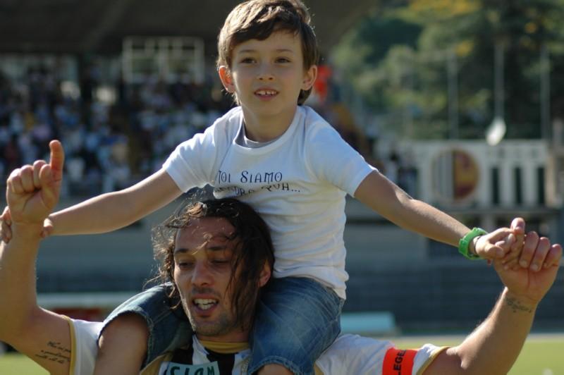 Di Donato con il figlio (foto Giammusso)