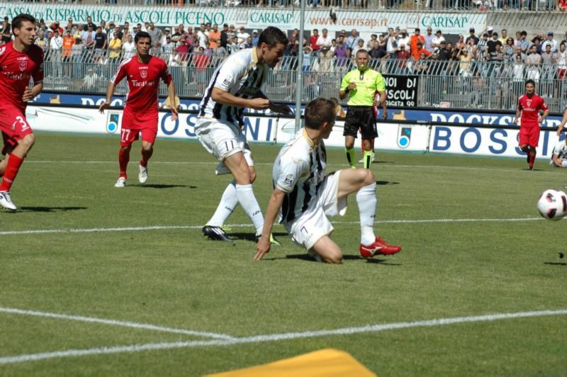 Il terzo gol di Feczesin (foto Giammusso)