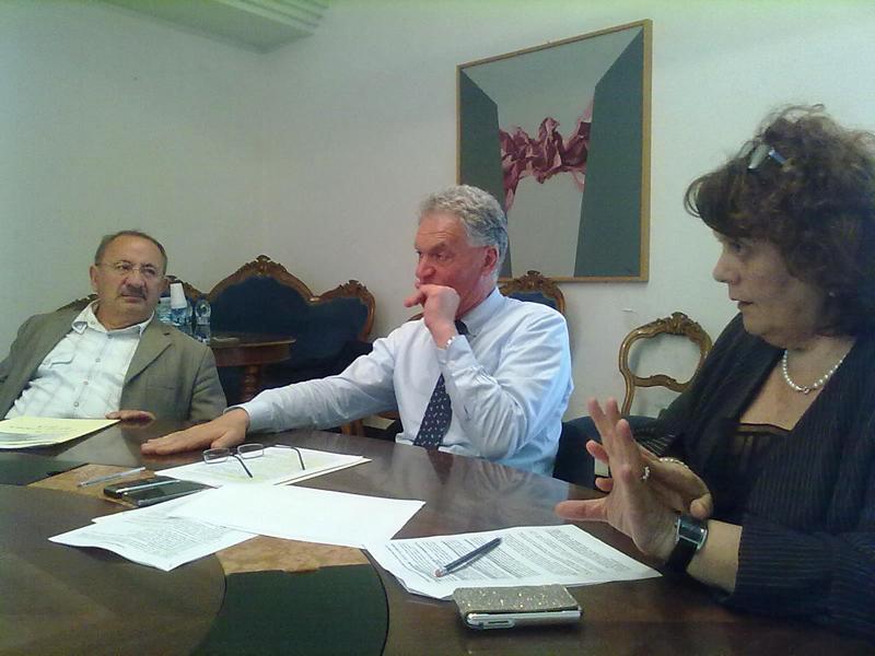 L'assessore provinciale Aleandro Petrucci, il presidente Celani e la dirigente Menicozzi durante la conferenza stampa di mercoledì sul caso Manuli
