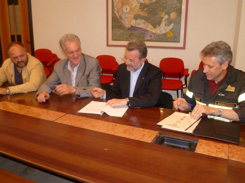 Firmata la convenzione con i Vigili del Fuoco per la sicurezza in mare