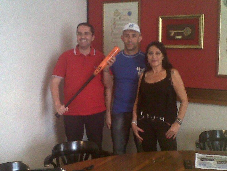 Massimiliano Brugni con Fabio Gricinella,presidente dell'Asd Baseball e Softball