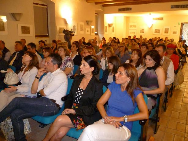Molti partecipanti al seminario di chiusura del corso