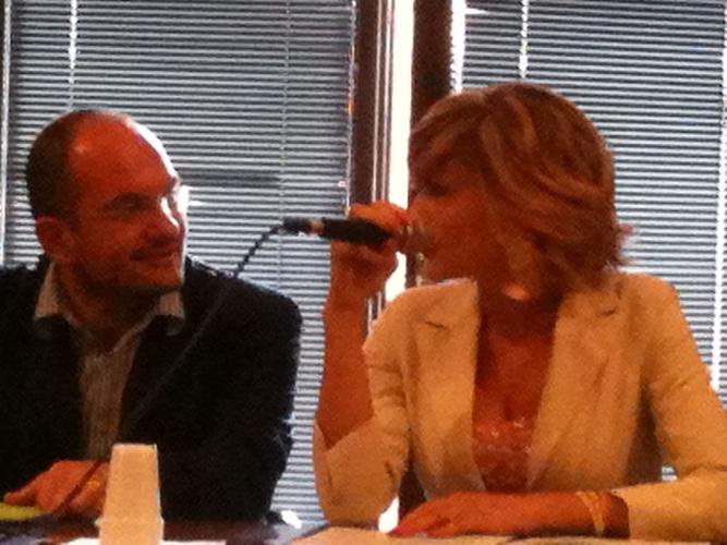 Monica Riva e il sindaco di Ascoli Guido Castelli alla presentazione del programma Memoria Viva! teatro Romano