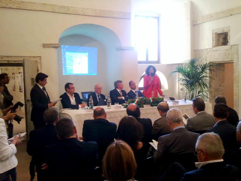 Forte Malatesta, Clelia Traini durante la presentazione della mostra sui merletti