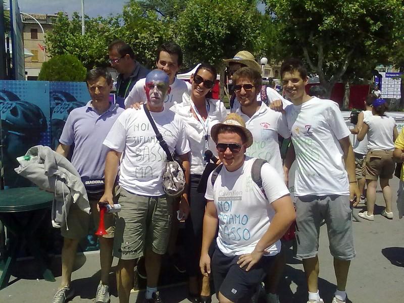 Offida2011: la voce femminile degli Europei di Ciclismo juniores e under 23, Barbara Pedrotti, circondata dall'entusiasmo dei tifosi
