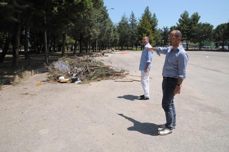 Il sindaco Castelli dopo lo sgombero forzato dell'area camper Castagneti