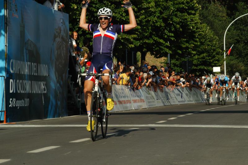Offida torna capitale del grande ciclismo giovanile: uno scatto dei campionati Mondiali 2010 (foto Troiani)