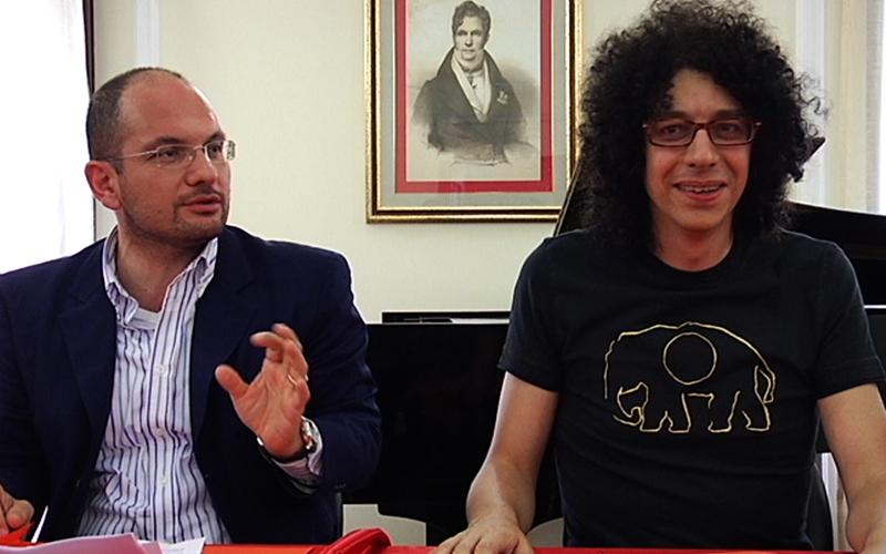 Il sindaco di Ascoli Castelli e Giovanni Allevi nella presentazione della tappa del suo tour ad Ascoli