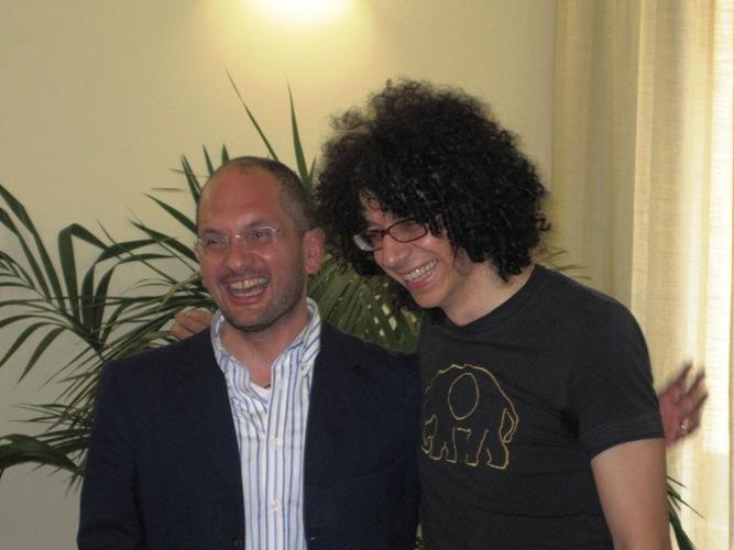 Il pianista Giovanni Allevi in conferenza stampa con il sindaco Guido castelli