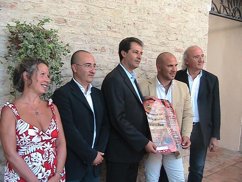 Maurizio Petrolo e Giovanna Muller con il sindaco Lucciarini e gli assessori Antimiani e Casagrande
