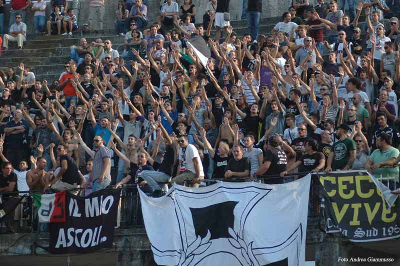 Curva in Ascoli-Verona  (ph. Giammusso)