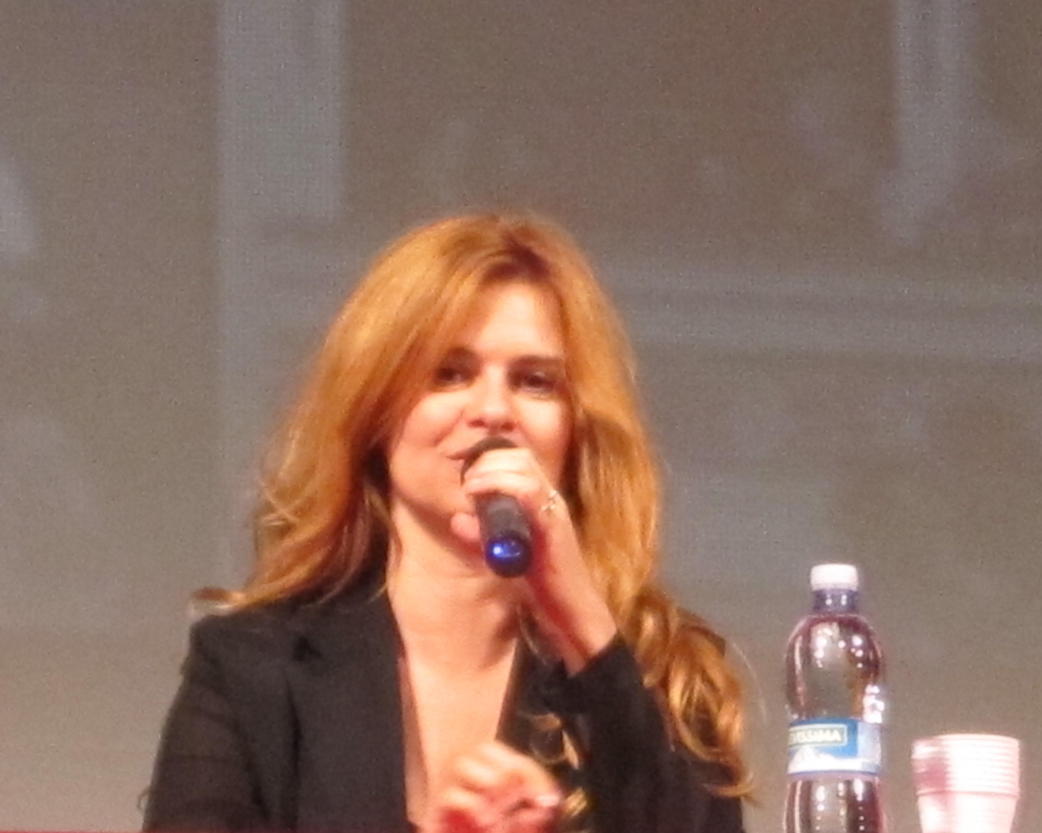 Debora Caprioglio presenta il cartellone Amat al Ventidio