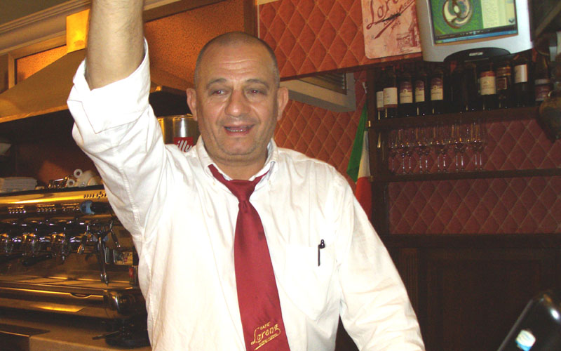 Enzo Accorsi del Lorenz Cafè di Ascoli