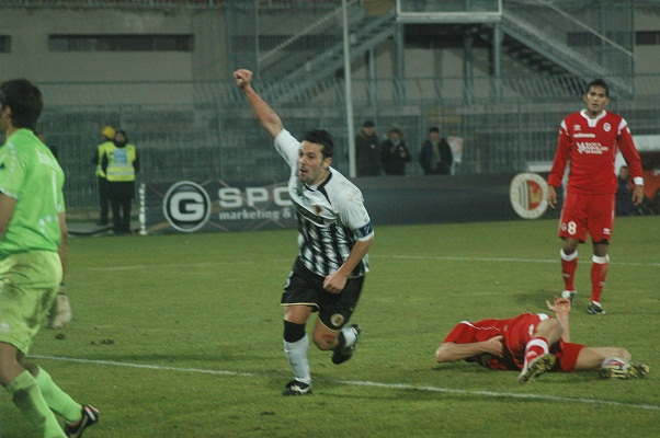 Ascoli-Bari Gol Di Donato
