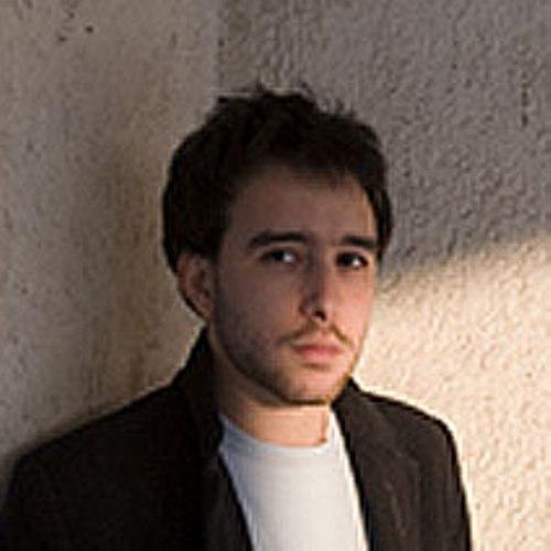 Lo scrittore e poeta Davide Nota