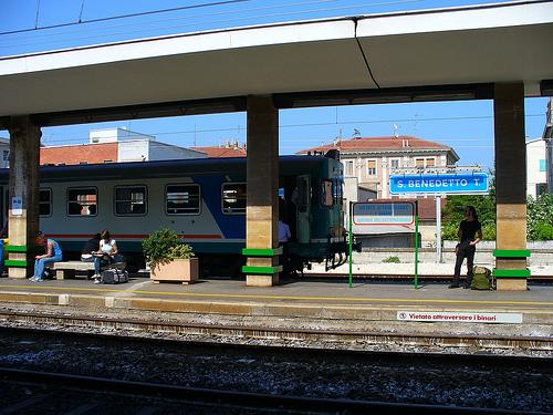 Il trenino che percorre la tratta San Benedetto del Tronto-Ascoli Piceno