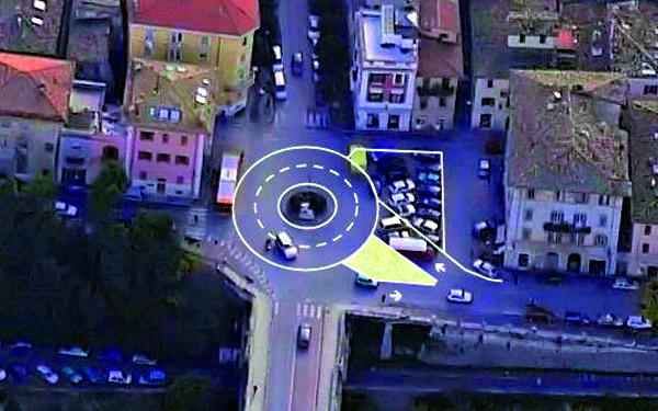 Il progetto della rotatoria di Piazza Giacomini proposto dall'associazione Amici della Bicicletta