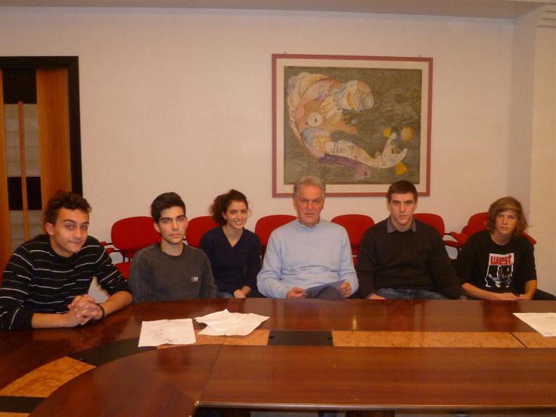 Incontro tra il presidente della provincia Piero Celani e gli esponenti della Rete Studenti Medi
