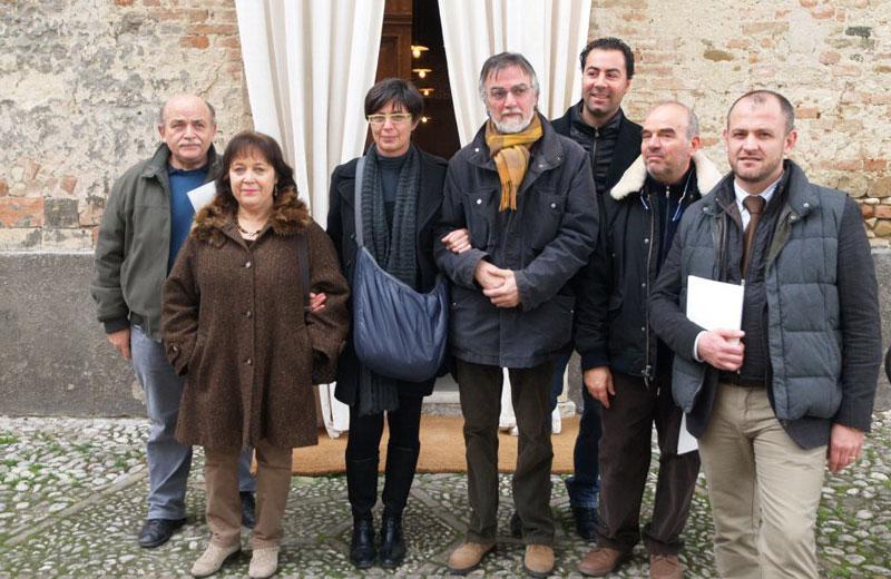 Graziano Gregori (al centro) con gli organizzatori della mostra
