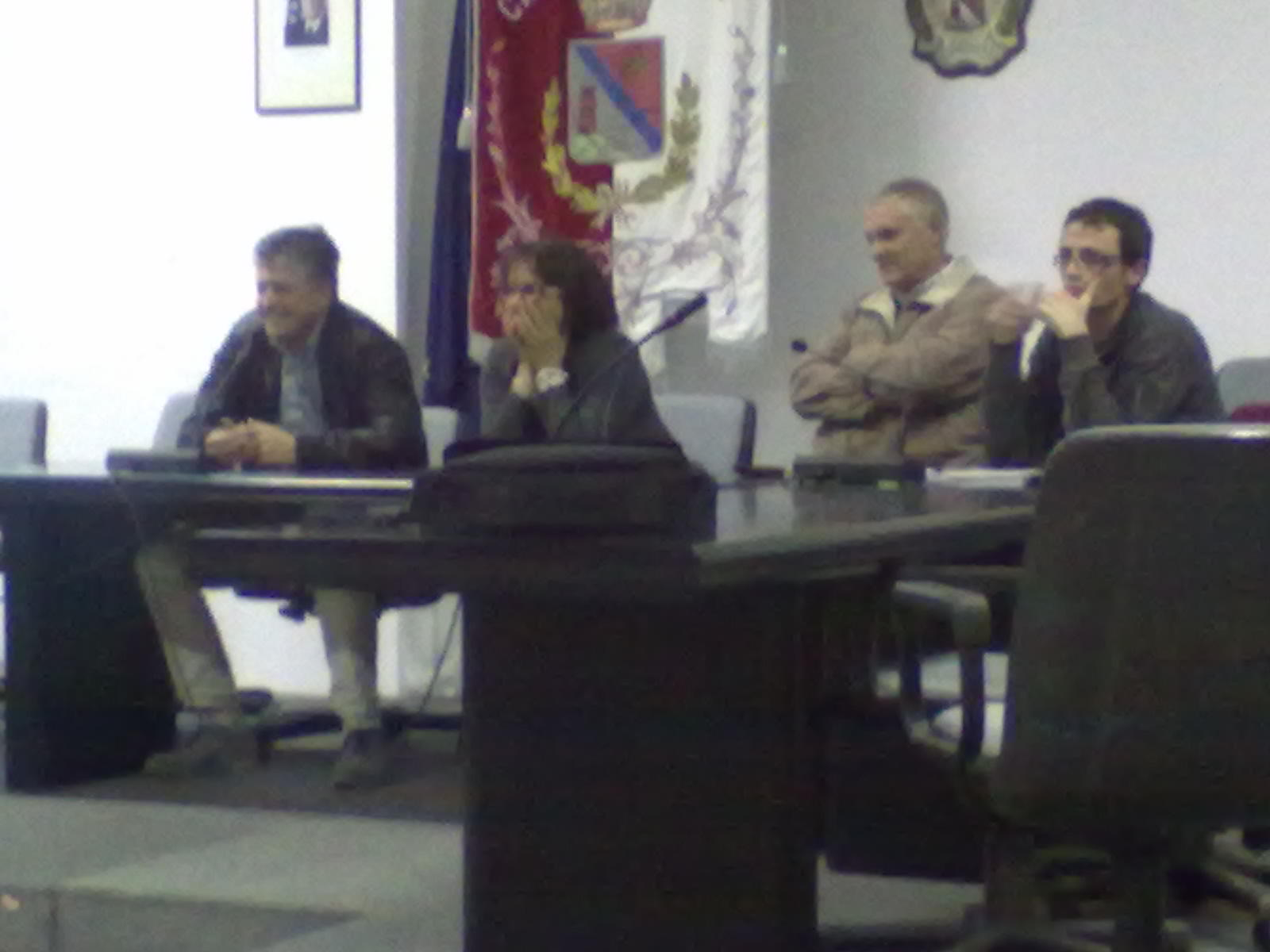 Riunione con i cittadini del 14 ottobre 2011. Da sx: Giovanni Stracci, Patrizia Rossini, Paolo Tartaglini, Simone Corradetti