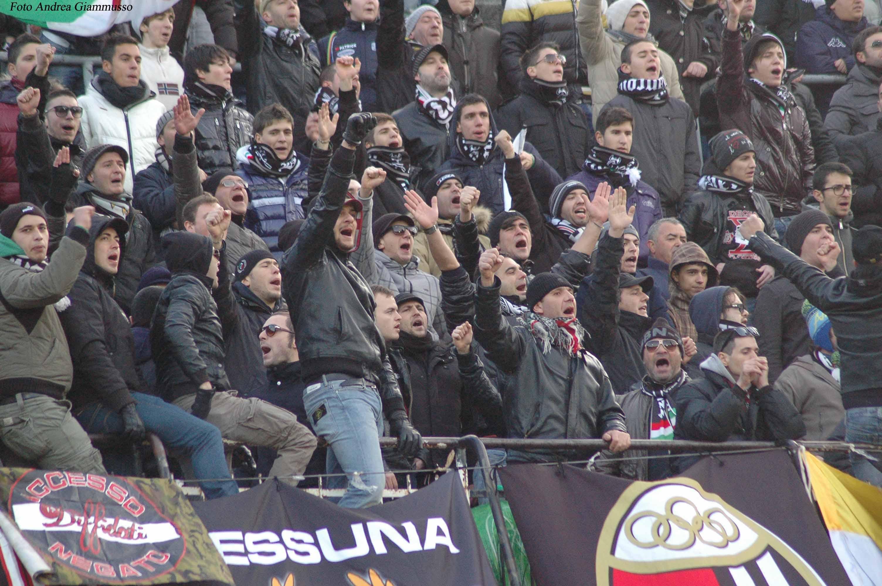 Tifosi delusi dalla sconfitta interna del Picchio