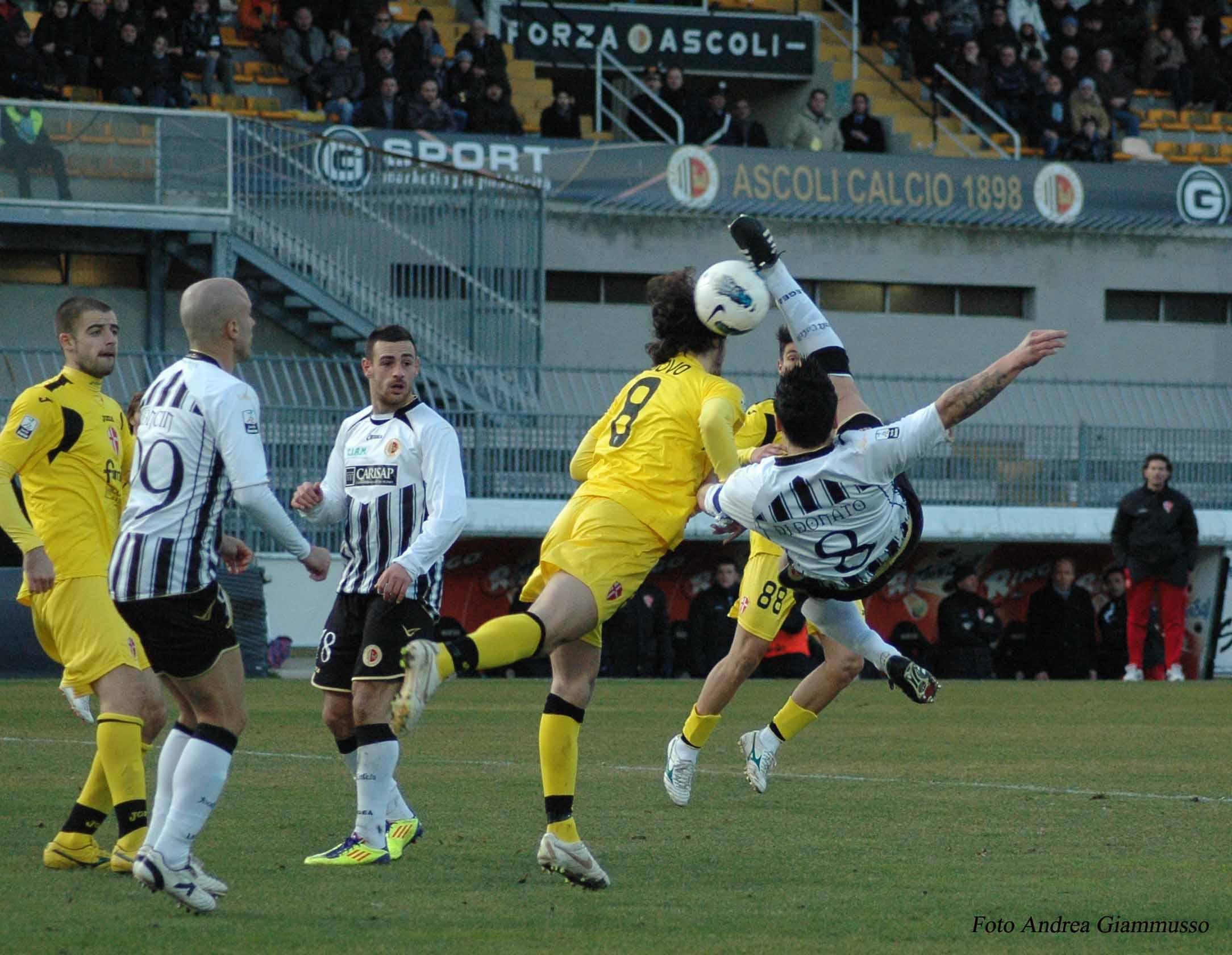 Ascoli-Padova, Di Donato in rovesciata