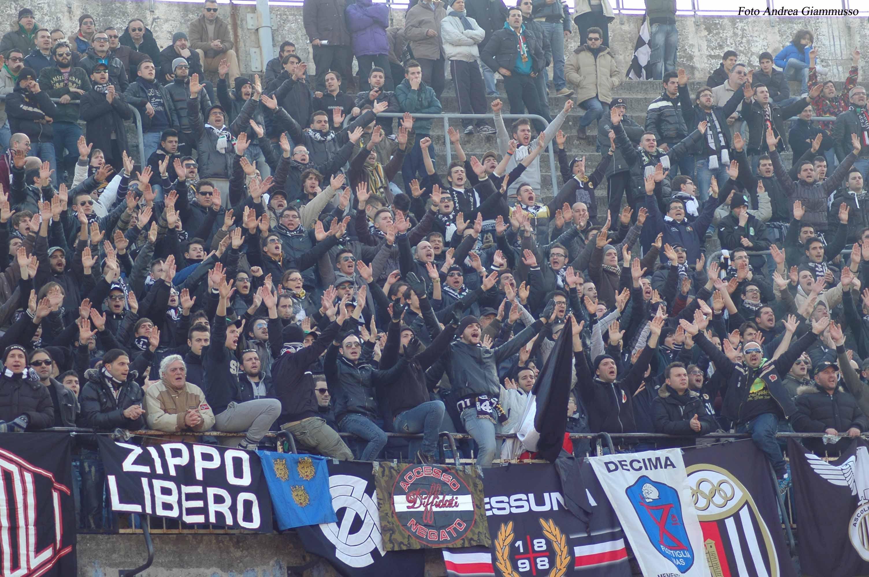 La curva in Ascoli-Gubbio. L'iniziativa Biglietto Amico non ha avuto successo