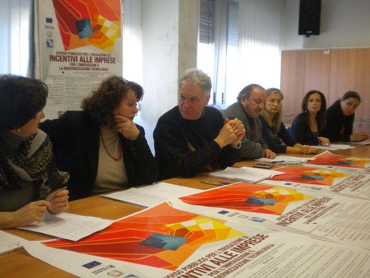 Al centro il presidente Celani, la dirigente Menicozzi e l'assessore Petrucci