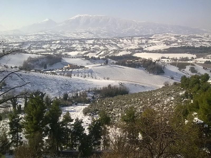 Castorano, 9 febbraio 2012- Uno sguardo dalla terrazza3 (Selene)